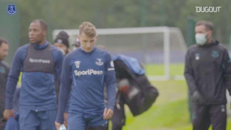 Richarlison volta a treinar com o Everton. DUGOUT