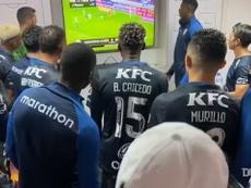 Bastidores da festa do Del Valle nos vestiário após goleada sobre o Flamengo. DUGOUT