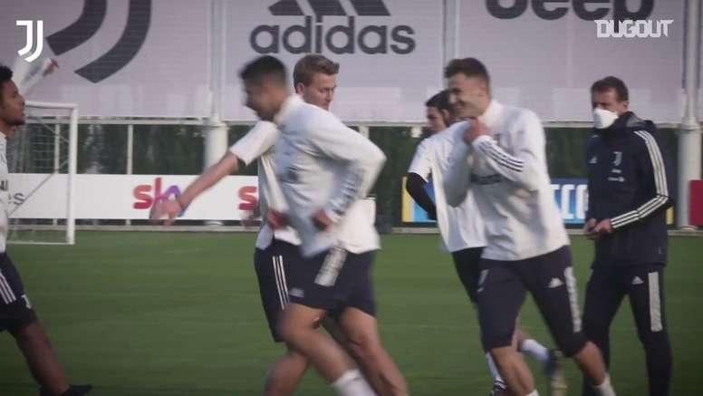 VIDÉO: De Ligt reprend l'entrainement avec la Juventus. Dugout