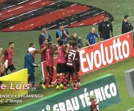 O primeiro gol de Filipe Luís com a camisa do Flamengo. DUGOUT