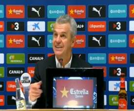 Aguirre, muy divertido en rueda de prensa. DUGOUT