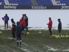 Snowball fight in Leganés training. DUGOUT
