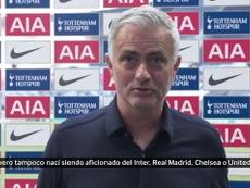 Mourinho, contento tras la victoria ante el Arsenal. Captura/Dugout