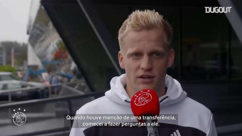 Donny Van de Beek falou sobre sua escolhe se transferir para o Manchester United. DUGOUT