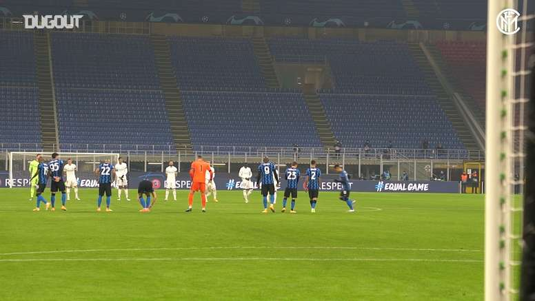 The minute of silence in memory of Maradona in Inter vs Real Madrid. DUGOUT