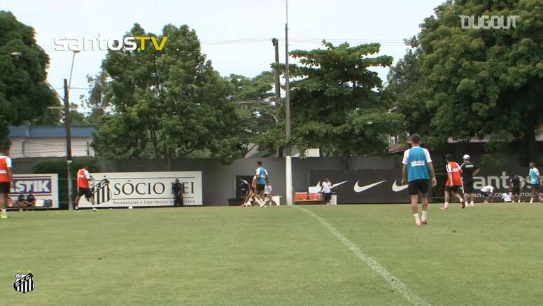Robinho scored this great goal during training. DUGOUT