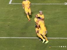 Carlos Salcedo scores for Tigres versus Toluca. DUGOUT
