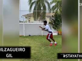 Stories of the week of Corinthians players. DUGOUT