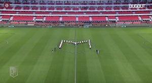 No faltó partido de fútbol en Argentina en el hubiera homenaje a Maradona. Dugout