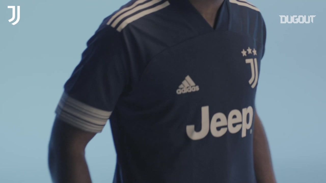 Video Juventus Unveil The New Away Kit 2020 2021 Besoccer