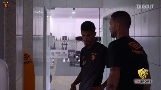Thiago Neves' first day at Sport Recife. DUGOUT