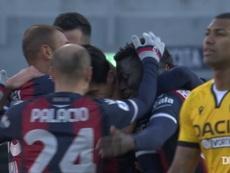 La rete di Tomiyasu contro l'Udinese. Dugout
