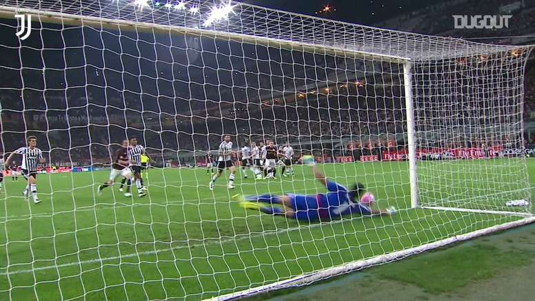 Em 2016, Buffon teve uma atuação brilhante em partida contra o Milan. DUGOUT
