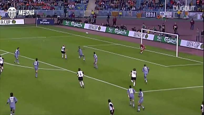 valence remporte la coupe de l'UEFA contre Marseille en 2004. DUGOUT