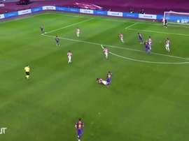 Messi é expulso pela primeira vez pelo Barça. DUGOUT