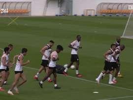 Valencia se prepara, agora com todo o time treinando junto. DUGOUT