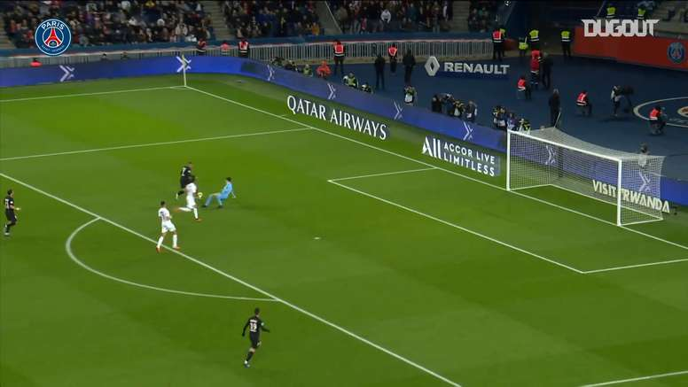 PSG went 4-0 up after brilliant link up play between Neymar and Mbappe. DUGOUT
