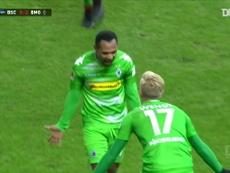 Le but somptueux de Raffael contre l'Hertha Berlin. dugout