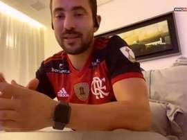 Everton Ribeiro mandou mensagem de apoio à torcida. DUGOUT