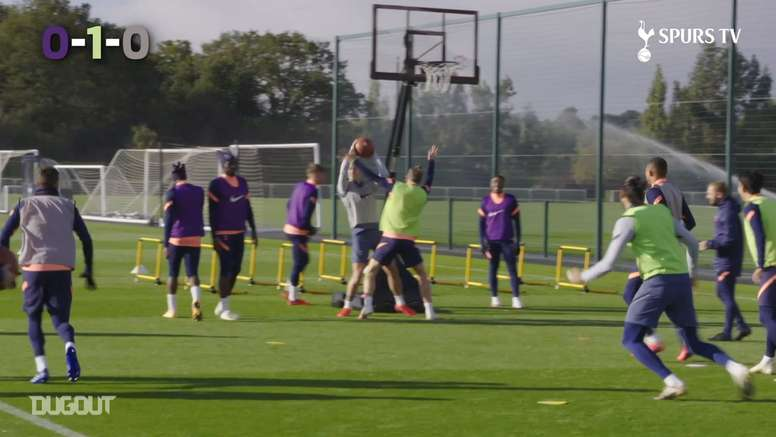 El Tottenham jugó al baloncesto. DUGOUT