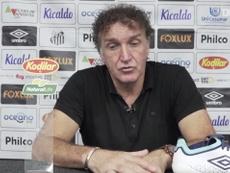 Cuca explica reação de Marinho após empate de Santos e Botafogo. DUGOUT