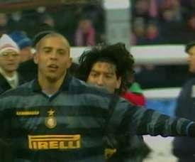 Ronaldo marcou dois gols, incluindo um golaço, na volta da semifinal da Copa da UEFA 1997-98. DUGOUT