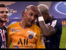 Les célébrations du PSG après la victoire en finale de Coupe de la Ligue. DUGOUT