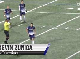 Gol de falta de Kevin Zúñiga pelo NJ Teamsters. DUGOUT