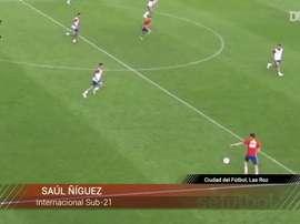 Golazo de Saúl en un entrenamiento previo al Europeo Sub 21. DUGOUT