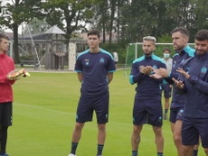 VIDEO: Leonardo Balerdi meets his new OM team-mates. DUGOUT