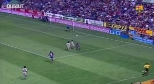 Le premier titre de Rijkaard avec Barcelone. DUGOUT