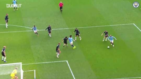 Neste sábado, o Manchester City voltou a golear o Burnley por 5 a 0. DUGOUT