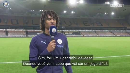 Nathan Aké vibra com estreia no Manchester City. DUGOUT
