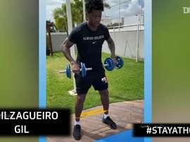 VIDEO: Corinthians players training from home during the lockdown. DUGOUT