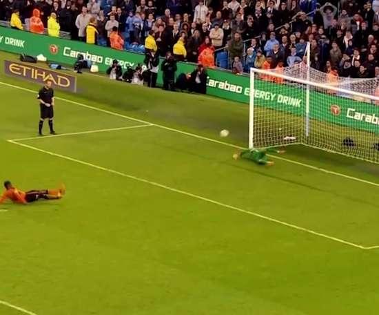 Pênaltis defendidos por Claudio Bravo no Manchester City. DUGOUT
