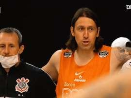 Vestiário do Corinthians teve momento de união após empate com dois jogadores a menos. DUGOUT