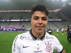 Roni comemora estreia com gol no Corinthians. DUGOUT