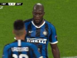Lukako marcou golaço pela Liga Europa na vitória por 2 a 0 sobre o Getafe. DUGOUT