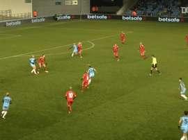 VIDEO: Keira Walsh scores long range effort against Brondby. DUGOUT