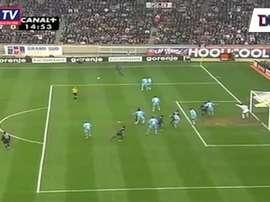 Le magnifique coup franc de Ronaldinho contre Marseille. DUGOUT
