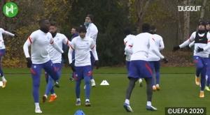 El Chelsea mira concentrado al Rennes. DUGOUT