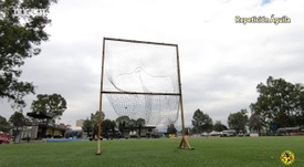 Club América's goalkeepers take on a volley challenge. DUGOUT