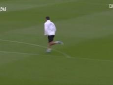 Torres esbanja habilidade em treina no Valencia. DUGOUT