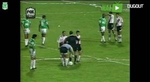 Goleiro Higuita era conhecido por marcar gols de falta. DUGOUT