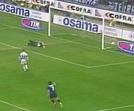 La doppietta di Seedorf contro la Juventus. Dugout