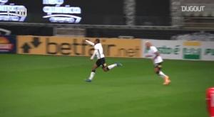 Corinthians beat Internacional at Neo Química Arena. DUGOUT