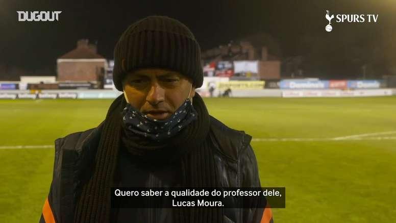 Mourinho elogia Carlos Vinícius após hat-trick. DUGOUT