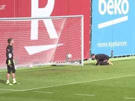 L'entrainement de Barcelone avant Ferencvaros. Dugout