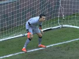 Audero saves Sánchez's penalty. DUGOUT