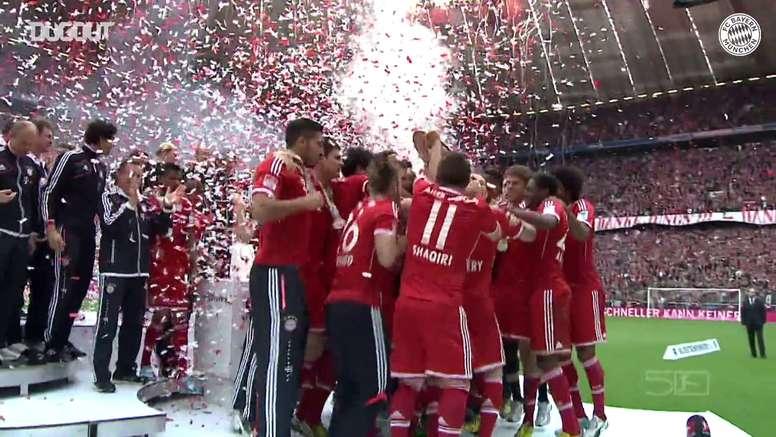 Bayern de Munique recebe o troféu da Bundesliga de 2019/20. DUGOUT